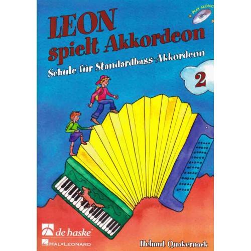 Leon spielt Akkordeon deel 2
