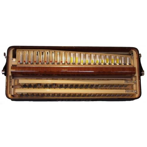 120 bas accordeons IV korig Cassotto (Italiaanse stemtongen)